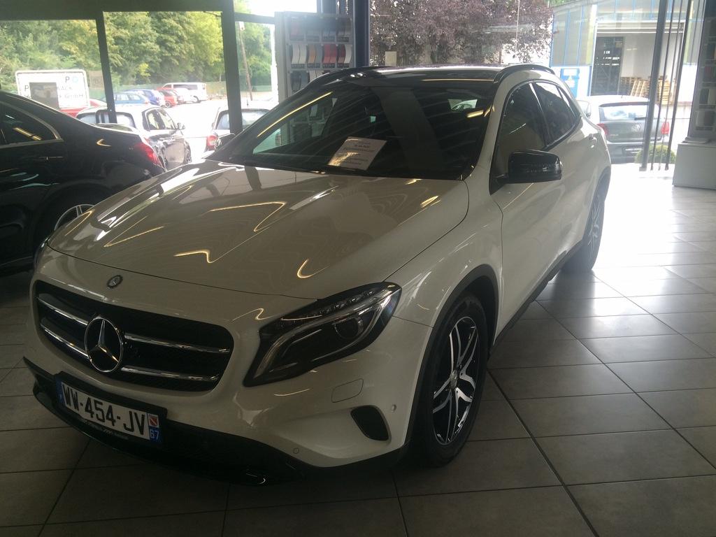 Mercedes-Benz GLA 180 – 2015 – 10 670 km