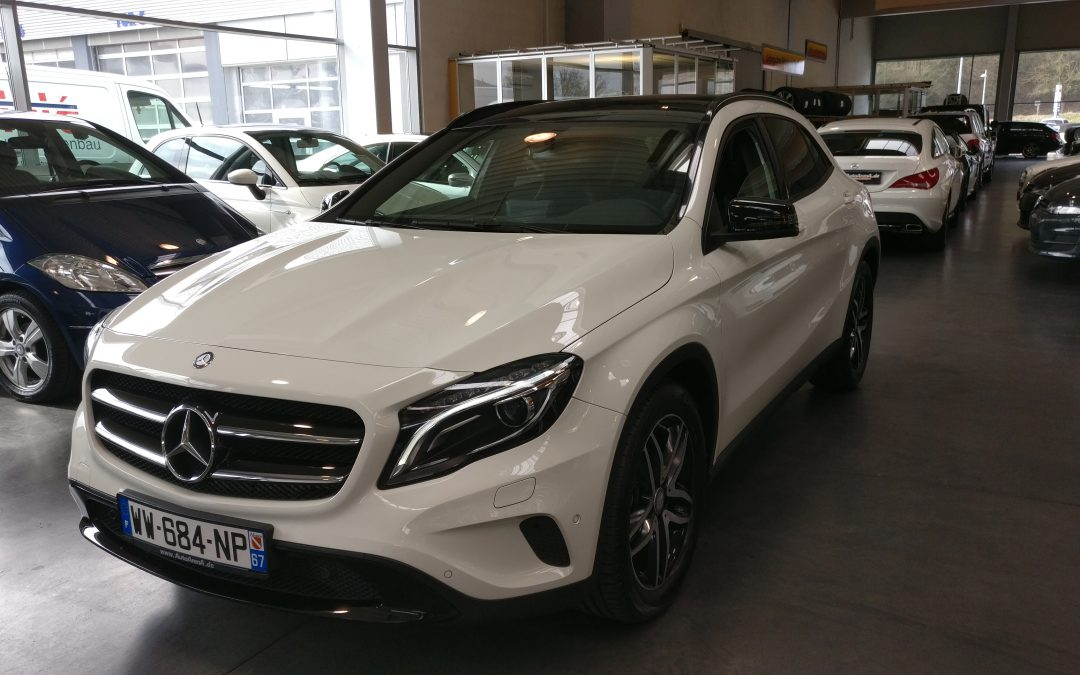 Mercedes-Benz GLA 180 Urban – 2015 – 7 260 km